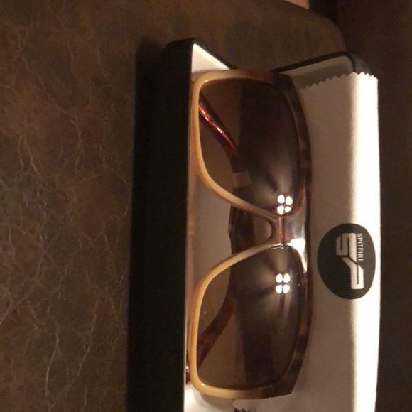 b8aad181b7 Electric Black Top Sunglasses - Matte Olive